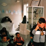 Exposition sur les cloches à la bibliothèque municipale de Fontaine (2001)