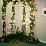 Baptême de cloches par Lucienne Dussaule, Exposition sur les cloches à la bibliothèque municipale en 2001.