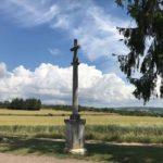 La croix de Daix à Fontaine-lès-Dijon (Cliché Nicole Lamaille).