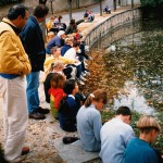 Les CM2 des Porte-feuilles à la mare (1999)