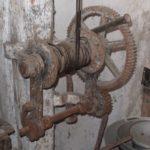 Treuil dans l'ancien abattoir Tourdias. Devinette du 12.5.2020
